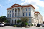 *Gretna, Built 1906, Now city hall