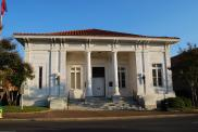 *Hattiesburg, Federal Building, Arch-James Knox Taylor, built in 1911, County courts in 1974.